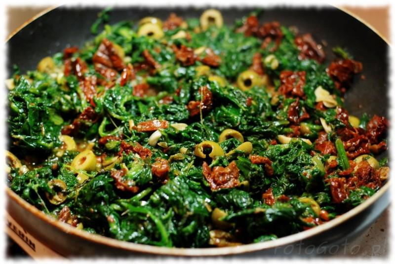[Image: Pomidory-z-oliwkami-i-szpinakiem-gotowe-800x535.jpg]